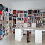Guagnano Biblioteca storia tradizioni Storia Locale del Salento e delle Forze Armate. Librerie e tavolo di consultazione