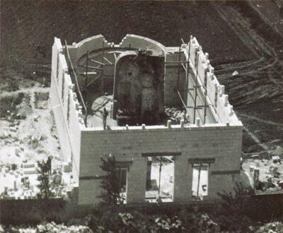 Costruzione del Santuario attorno al muro